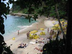 Se você quer agito, opte pela Praia de Pernambuco, uma das mais movimentadas, com boa infraestrutura... - Divulgação