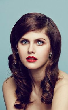 Alexandra Daddario with beautiful red lips Mobile Wallpaper 21145