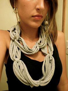 DIY T-Shirt scarf- I love this! I am so doing it with an old t-shirt! yo