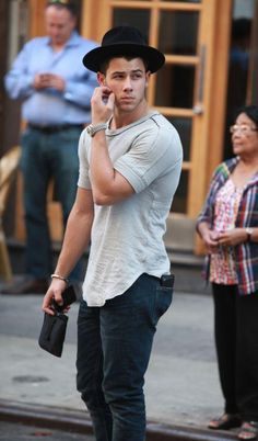 T shirt hat jeans men tumblr Style streetstyle