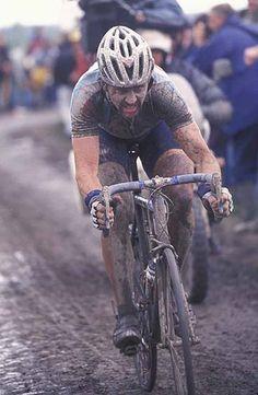 Paris-Roubaix 2002_Johan Museeuw à l'oeuvre