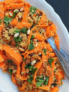 Carrot Salad w / Quinoa: cup quinoa cup . Moroccan Carrot Salad w / Quinoa: cup quinoa cup . Salade Quinoa Feta, Quinoa Salat, Lunch Recipes, Salad Recipes, Mocha Frappe Recipe, Moroccan Carrots, Green Tea Benefits, Carrot Salad, Baby Carrots