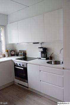 Cute Kitchen, Kitchen Dining, Kitchen Cabinets, Diy Garden Decor, Modern House Design, My Dream Home, Home And Garden, Interior Design, Scandinavian Interiors