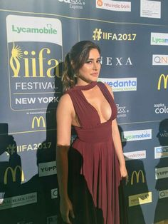 Nargis Fakhri Picture Gallery image # 360493 at IIFA 2017 containing well categorized pictures,photos,pics and images. Sexy Outfits, Party Outfits For Women, Indian Bollywood Actress, Bollywood Fashion, Hot Actresses, Indian Actresses, Bollywood Theme Party, Indian Fashion Trends, Beautiful Girl Photo