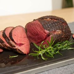 Hjortestek med potet- og persillerotpure Steak, Beef, Food, Meals, Yemek, Steaks, Eten