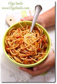 Pasta with tomato sauce - 0 - Makaron Gluten Free Pasta, Tomato Sauce, Vegan Vegetarian, Macaroni, Noodles, Spaghetti, Meals, Ethnic Recipes, Food