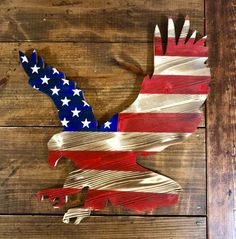 Items similar to Wooden American Flag - Free Bird - American flag - wood flag - eagle cutout - wood eagle on Etsy American Flag Crafts, American Flag Wall Art, American Flag Painting, American Flag Wreath, Rustic Wooden American Flag, American Flag Pallet, Memorial Day, Mason Jars, Wood Flag
