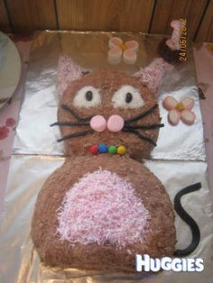 What a SIMPLE way to create an adorable HOBBY HORSE CAKE for a