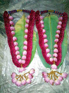 Flower Garland Wedding, Floral Wedding Decorations, Flower Garlands, Wedding Garlands, Red Rose Wedding, Dream Wedding, Wedding Album, Wedding Shoot, Lakshmi Images