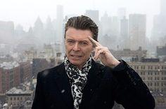David Bowie Dies at Age 69 After Battling Cancer / 2016年1月10日、イギリスのロックスターDavid Bowieが癌のため死去した。69歳だった。Facebookの公式アカウントで公表された。