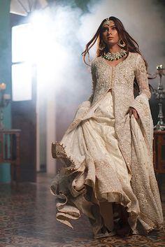 High Fashion Pakistan — Shehla Chatoor, All the Raj, Fall/Winter 2015 (X). Pakistani Couture, Pakistani Wedding Dresses, Indian Couture, Pakistani Outfits, Indian Dresses, Indian Outfits, Pakistan Fashion, India Fashion, High Fashion