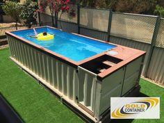 Интересная идея разработанная Австралийским предпринимателем. Изготовление бассейна из морского контейнера привлекла интерес многих владельцев дачных домов.
