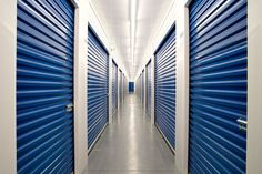 Self Storage London Ontario offers the widest variety of options available to cater to your individual needs. Whether you are looking for personal or business storage, our self storage facility offers everything you need. Cheap Storage Units, Self Storage Units, Storage Spaces, Storage Ideas, Storage Rental, Car Storage, Locker Storage, Business Storage, Storage Auctions
