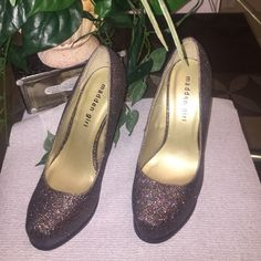 6 Madden Girl perfect for Holiday  Size 6 Greay multy color sparkling  Madden Girl Shoes Heels
