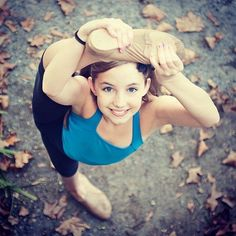 autumn dance inspiration. Would love to do a senior picture like this. Two years to get there.