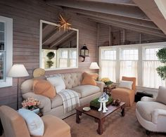 Another pretty space in designer Jeffrey Bilhuber's Nantucket cottage that he sold...how could he?!  He moved on to something bigger and better actually.