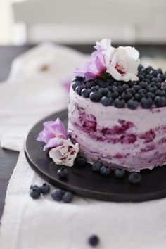 Blueberry Vanilla Mousse Cake | Fräulein Klein
