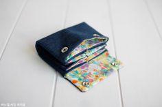 청바지리폼 4칸수납지갑만들기_카드지갑,동전지갑 : 네이버 블로그 Diy Purse, Bag Patterns To Sew, Small Bags, Card Case, Diy And Crafts, Quilts, Purses, Wallet, Sewing