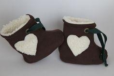 """Baby Winterschuhe aus  BIO Teddy """"die Liebe"""" ♥ von mamuku auf DaWanda.com"""