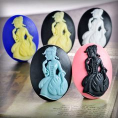 Resin cameo lady