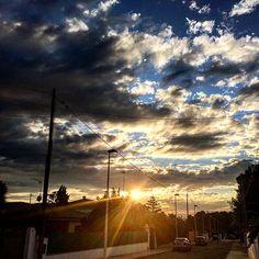 Así se ha ido hoy nuestro amigo en Ribarroja. #Ribarroja #Sol #Nubes #Atardecer #estoyenribaroja by kikebm__78