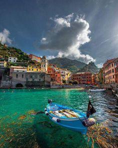 Vernazza, Cinque Terre, Italy (via Beautiful Italy)