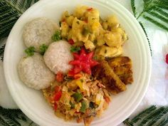Recipe: The national dish of Saint Kitts and Nevis – Stewed saltfish with spicy plantains and coconut dumplings. Goat water used to be the national dish of Saint Kitts and Nevis, until a competition was launched to find a more modern dish to represent the country. The