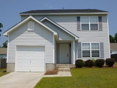 Chapin home for Lease. $1250, Lake Access, Community Pool ETC!!! Call Now before it is Taken!!