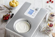 Joghurt selber machen in 2-in-1 Eis- und Joghurtmaschine Elisa von Springlane Sorbet, Washing Machine, Plastic Cutting Board, Icecream Craft, Ice Cream Making Machine