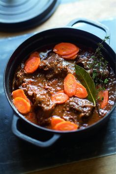 as before by Julie Andrieu - Fashion beef … as before by Julie Andrieu - Beef Recipes, Italian Recipes, Healthy Recipes, Happy Cook, Cooks Slow Cooker, Baby Cooking, Salty Foods, Pork Ribs, Pot Roast