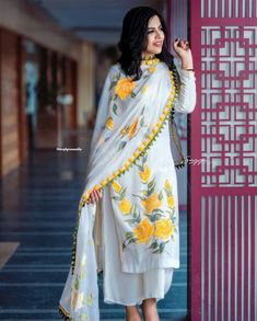 White rayon yellow flower printed plazzo suit - Fabric :Rayon digital print top( full stitched up to 42 )Rayon plazzo ( full stitched up to 42 )Georgette digital print dupatta with Pom Pom border work Dress Indian Style, Indian Dresses, Indian Outfits, Indian Clothes, New Dress Design Indian, Desi Clothes, Western Dresses, Pakistani Dresses Casual, Pakistani Dress Design