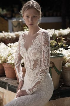 Get inspired by the latest 2017 bridal wedding dress collection from the world of Alon Livne White. Romantic Wedding Colors, Beautiful Wedding Gowns, Beautiful Dresses, Collection 2017, Bridal Collection, Dress Collection, Alon Livne Wedding Dresses, Bridal Dresses, Corset Wedding Gowns