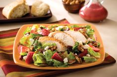Looking for the perfect Strawberry Chicken Salad recipe for that hot summer evening? Look no more! #GoFresh