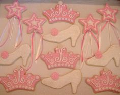 These were for a little girl who was having a princess party! Galletas Cookies, Iced Cookies, Royal Icing Cookies, Cookies Et Biscuits, Sugar Cookies, Cookies For Kids, Cute Cookies, Cupcake Cookies, Cupcakes
