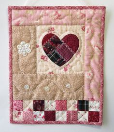 Hand Quilted Wall Hanging Shabby Cottage door LittleTreasureQuilts