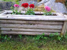 Istutuslaatikko heinäseipäistä Gardening, Diy Things, Table, Plants, Furniture, Garden Ideas, Home Decor, Diy Stuff, Decoration Home