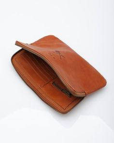 Need Supply Co. / A.P.C. / Pochette Guitare Poignard ($100-200) - Svpply