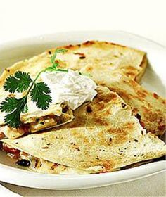 Wolfgang Puck: Cheese Quesadillas with Fresh Guacamole - Healthy Late-Night Snack Recipes from Celebrity Chefs - Shape Magazine - Page 4 Healthy Midnight Snacks, Healthy Snacks, Healthy Eating, Healthy Recipes, Yummy Recipes, Vegetarian Recipes, Burritos, Enchiladas, Vegetarian