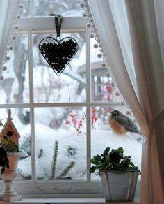 12 pomysłów na zimową dekorację okna - galeria zdjęć