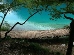 Beautiful Green Scenery Plitvice lakes in CroatiaPosted on 1:26 AM by Ariskevin siringoringoBeautiful Green Scenery Plitvice lakes in Croatia
