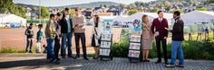 Témoins de Jéhovah qui prêchent la bonne nouvelle en Allemagne