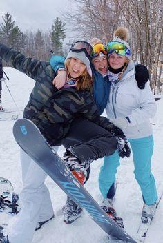 Cute Preppy Outfits, Preppy Winter, Shotting Photo, Ski Racing, Snowboard Girl, Ski Girl, Ski Season, Ski Holidays, Foto Instagram