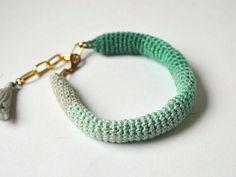DIY-Anleitung: Armband mit Farbverlauf häkeln via DaWanda.com
