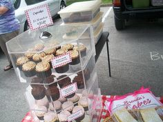 How to Display Cupcakes at Farmers Market | Farmers Market | Flickr - Photo Sharing!