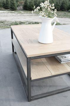 Stoere salontafel met stalen frame en eiken blad. Op maat te bestellen @ info@mittlifestyle.com