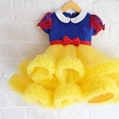 ---Snow White dress--- #snowwhite #snowwhitedress #snowwhitetheme #honeybeekids #honeybee_kids