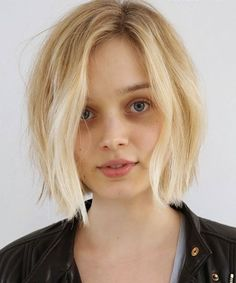 Bella Heathcote Haircut, Anh Co Tran, Johnny Ramirez | Bella Heathcote's new look is next-level stunning. #refinery29 http://www.refinery29.com/2014/12/80020/bella-heathcote-haircut