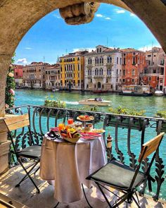 Destination Voyage, Beautiful Places To Travel, Beautiful Live, Beautiful Moments, Beautiful Dresses, Travel Aesthetic, Best Vacations, Italy Travel, Paris Travel