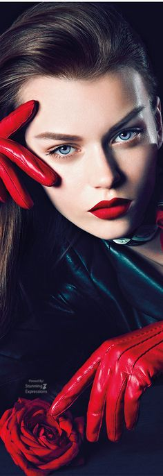She's A Lady, Lady In Red, Perfect Red Lips, Luxury Lifestyle Fashion, Luxe Life, Beautiful Lips, Photoshop, Red Fashion, Red Lipsticks