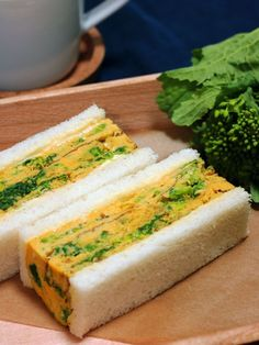 「厚焼き卵がどうしても上手に作れない!」という初心者さんは、スクランブルエッグスタイルでも。トーストにオンして、おしゃれな和風オープンサンドに。|『ELLE gourmet(エル・グルメ)』はおしゃれで簡単なレシピが満載!